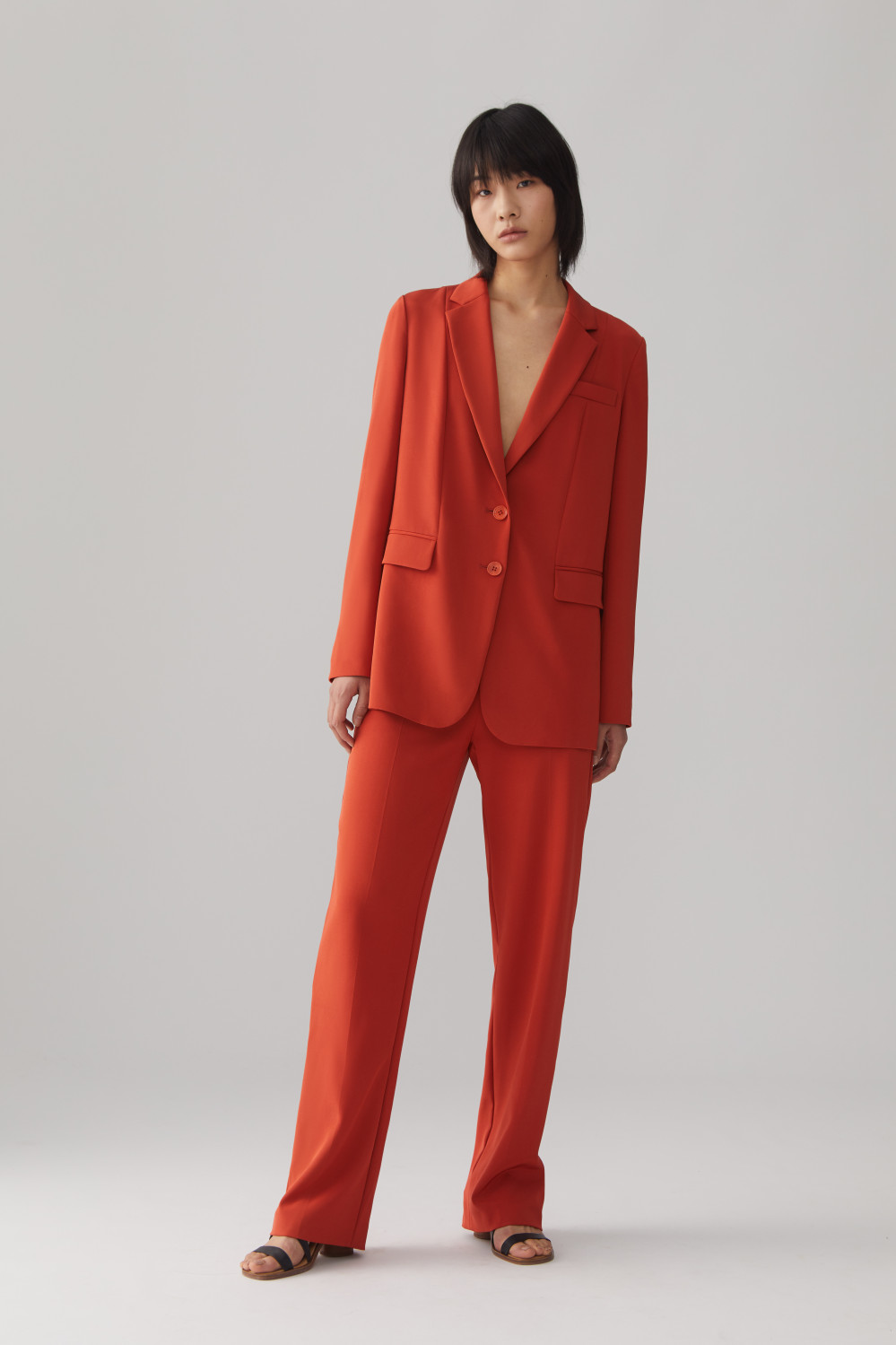 Icicle Women Iconic Soft Suit 01